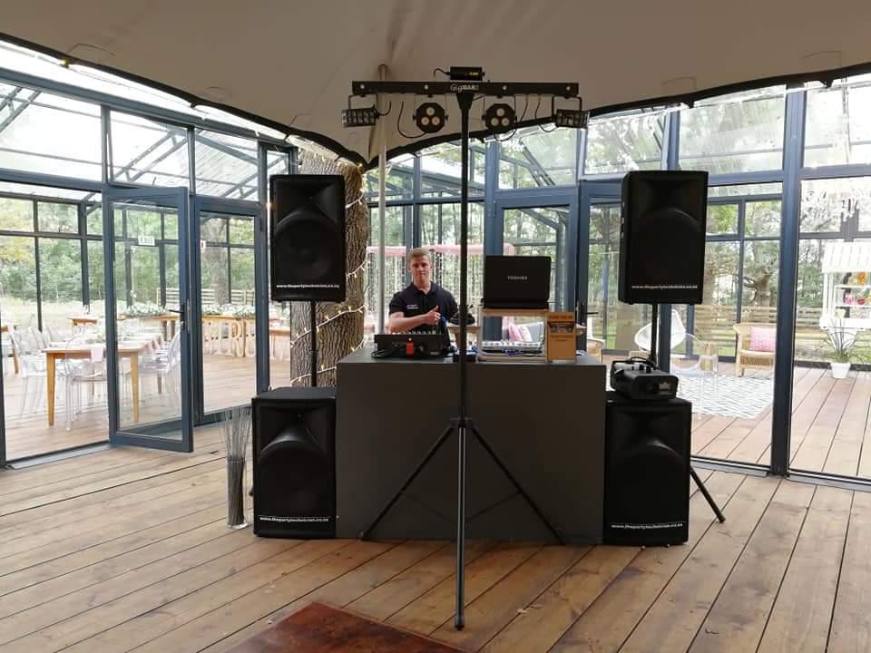 DJ - MEDIAN PACKAGE - USE